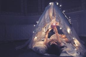fairytale-girl-light-night-sleep-Favim.com-42517
